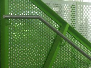 Grön perforerad plåt